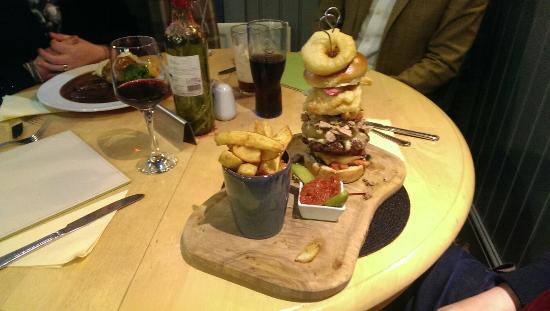 Lorton, UK: The new mega farmers burger