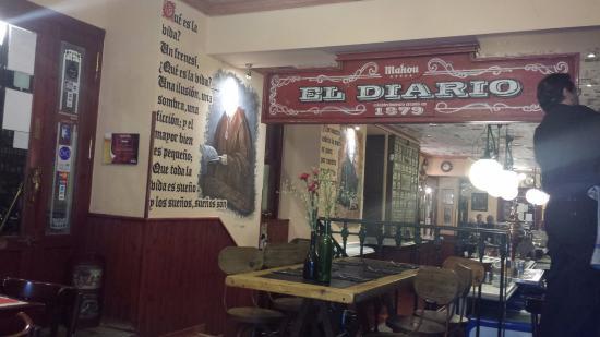 Restaurante el diario en la calle huertas de madrid nada for Cafe el jardin madrid