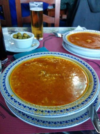 Almedinilla, Spanyol: arroz caldoso con lomo de orza