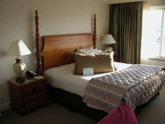 Burlingame, CA: Comfy bed
