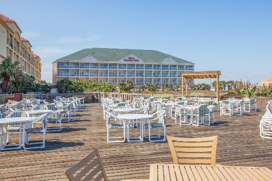 Hilton Garden Inn South Padre Island: Beach Sitting Area