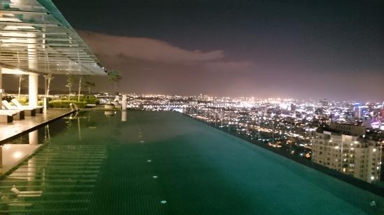 Infinity Pool On The Roof Picture Of Capri By Fraser Kuala Lumpur Malaysia Kuala Lumpur