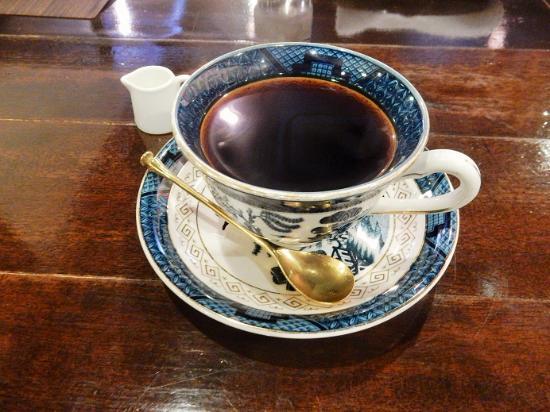 Mik: 素敵なカップで珈琲を