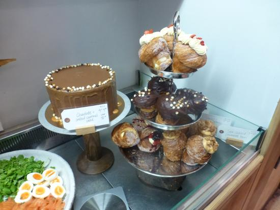 Best Cakes Cafe In London Cocomaya