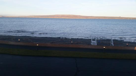 Boardman, Oregón: A vew of the river from my room, with Washington on the other side.(Early AM on a January mornin