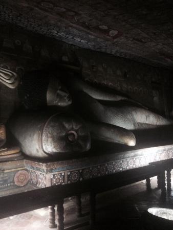 Dambulla, Sri Lanka: Лежащий Будда
