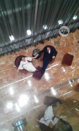 JW Marriott Hotel Bogota: El lobby desde el segundo piso