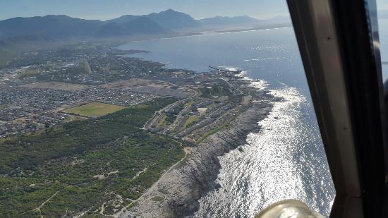 Wellington, جنوب أفريقيا: Departing Diemerskraal airport,  routing over Paarl, Franschoek valley, Franschoek, Theewaterklo
