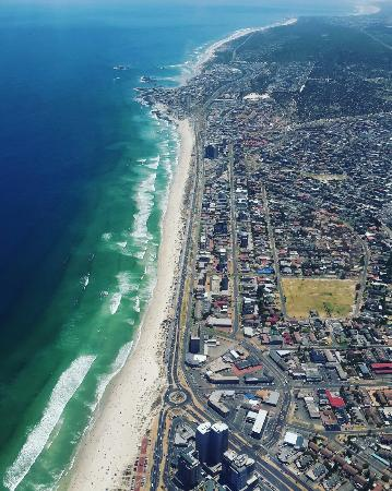 Bloubergstrand Beach: All in a days work, showing off our beautiful city.