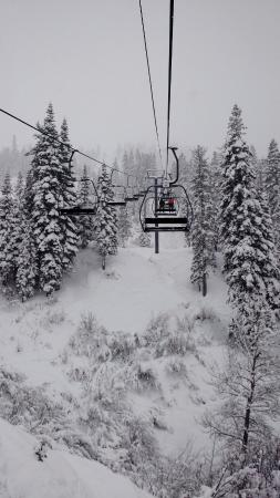 Olympic Valley, كاليفورنيا: On the Squaw Creek Chairlift