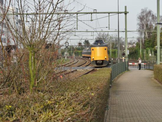 Spoorlijn , vanaf staion Naarden-Bussum .  nl .