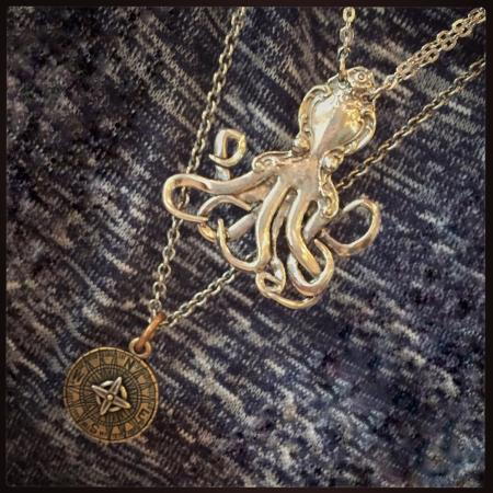Galveston Island, تكساس: My octopi from the Admiralty. Love this shop!!!