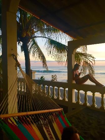 El Transito, Nicaragua: Sunset and Waves