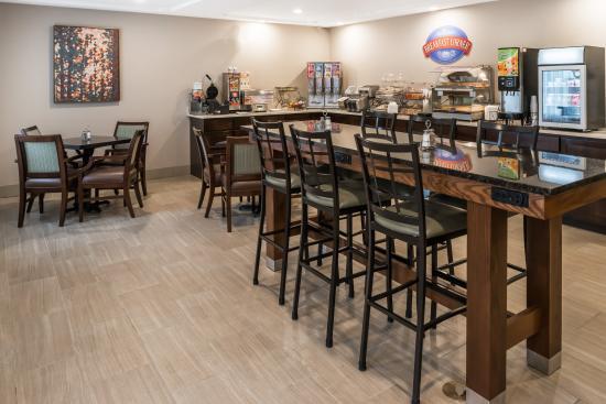Baymont Inn & Suites Fulton: Baymont Breakfast