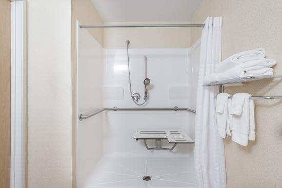 Fulton, MO: ADA Shower