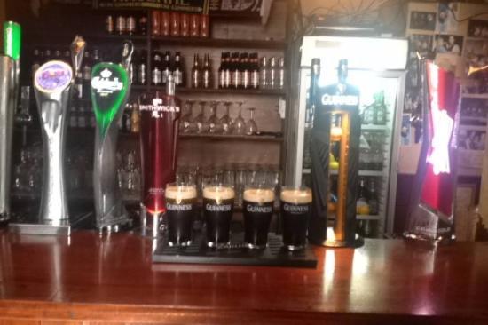 Drogheda, İrlanda: McHughs front bar