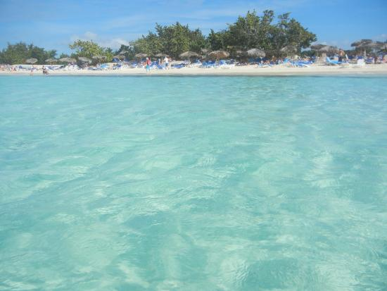 Rafael Freyre, Cuba: the amazing beach