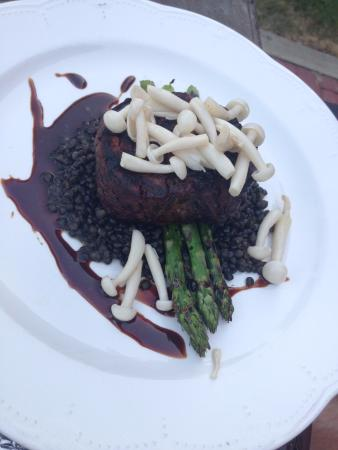Fort Benton, MT: Union Grille beef tenderloin