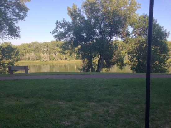 Fort Benton, MT: Union Grille patio river view