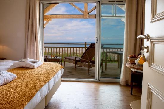 Chambre de luxe vue ocean picture of le lys des sables for Chambre de luxe