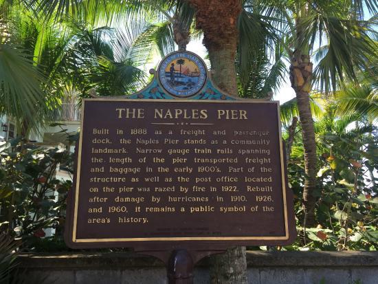 Naples Beach : Naples