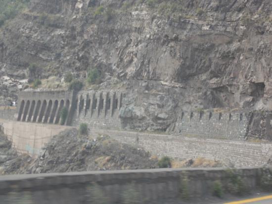 San Jose de Maipo, Chile: Tunel visto da estrada