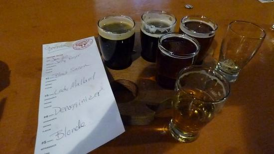 San Leandro, Kalifornia: Do a flight sampler!