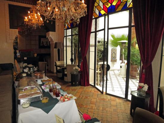 Le Riad Monceau: Breakfast in the restaurant