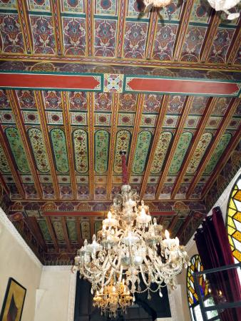 Le Riad Monceau: Restaurant ceiling