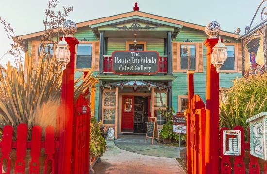 Moss Landing, Kalifornien: The entrance to the Haute Enchilada.