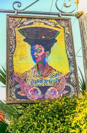 Moss Landing, Kalifornien: The main street-side sign for the Haute Enchilada.