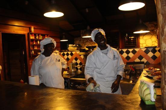 Open kitchen, easy to speak to the chef.