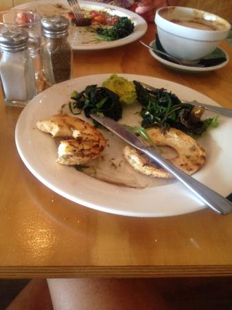 Whangamata, Nowa Zelandia: Bread was hard, spinach was stringy and hard to cut, mushrooms were dry, avo was hard.