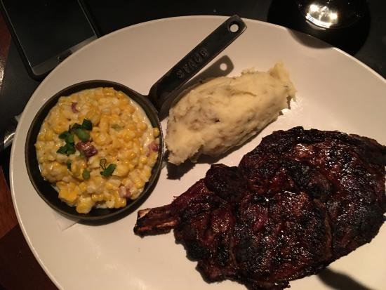 J. Gilbert's Wood-Fired Steaks and Seafood Foto