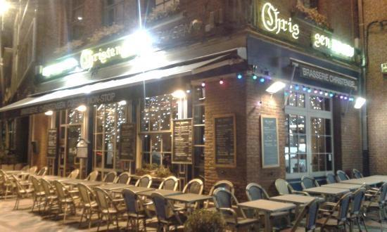 Nivelles, Bélgica: Front view of Restaurant/Taverne -