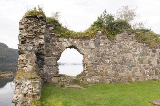 Lochcarron, UK: Strom Castle