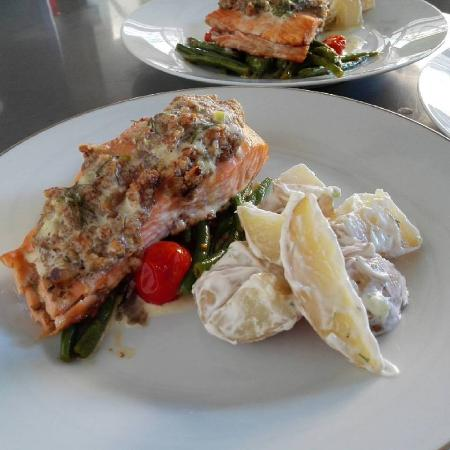 Santo Domingo de Heredia, Costa Rica: Salmon with almond crust & potato salad