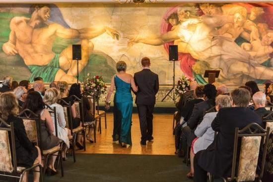 St. Catharines, Canada: Coppola's Wedding Ceremony - Niagara Wedding Photographer