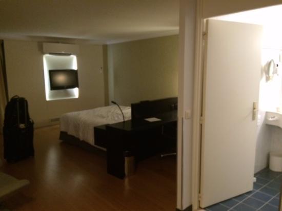 ดีเอเจม, เบลเยียม: view from door