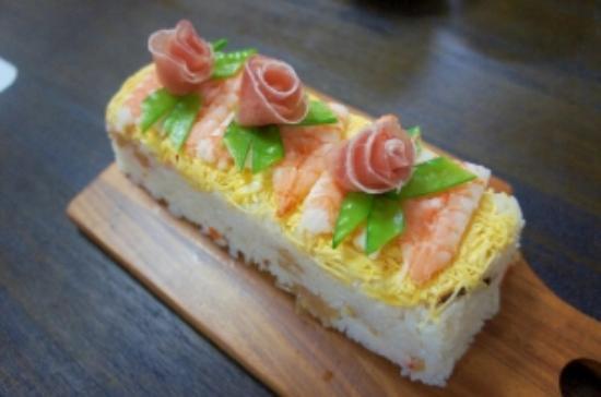 Tuakau, Neuseeland: Albacore tuna sushi cake