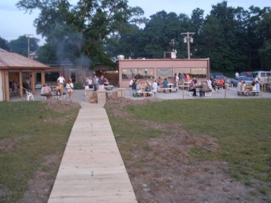 Westfield, NY: The rear beach bar at ZeBros.