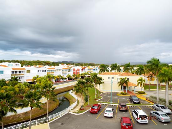 Aquarius Vacation Club: Parking lot