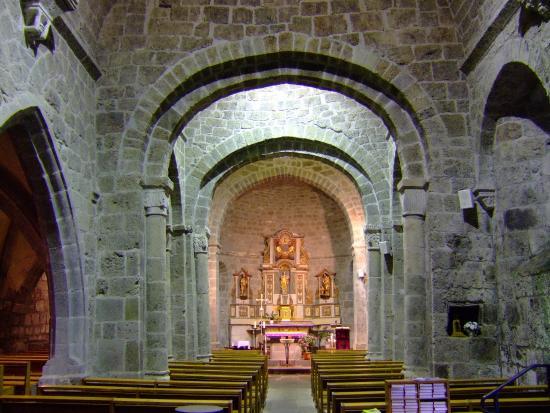 L 39 interieur de l 39 eglise de therondels picture of for Interieur eglise