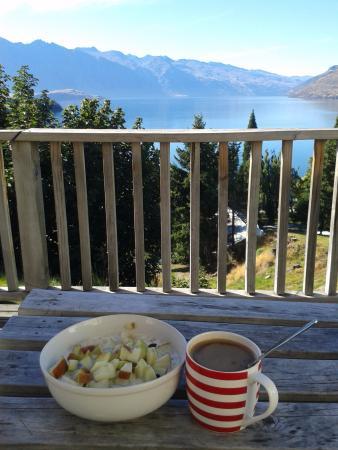 Butterfli Lodge: Balcony brekkie