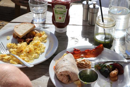 Malibu Pier: Scrambled eggs and lobster burrito