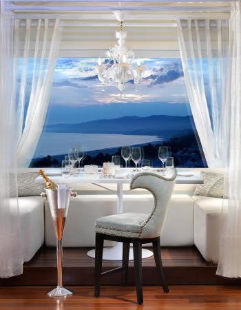 Huntley Santa Monica Beach: Penthouse Restaurant Cabana
