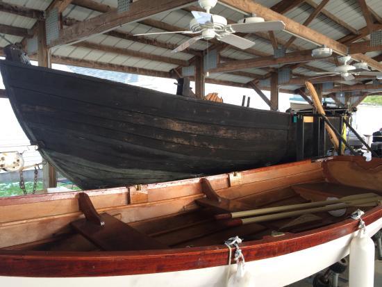 Reedville Fishermen's Museum: John Smiths replica boat
