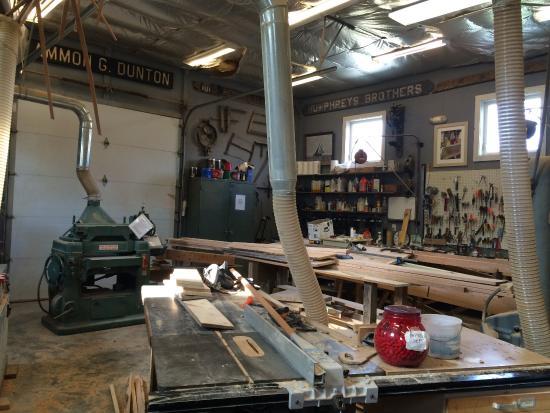 Reedville Fishermen's Museum: Revival shop