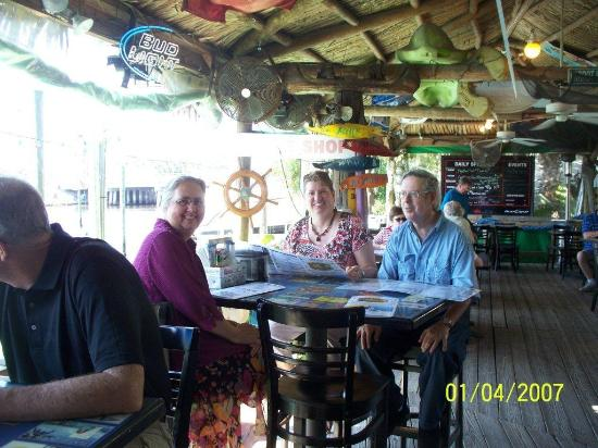 Port Richey, Floryda: Riverside dining to bring your out of town guests to.