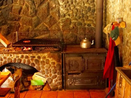 Parrilla y cocina a le a picture of restaurant el caulle - Cocina a lena ...